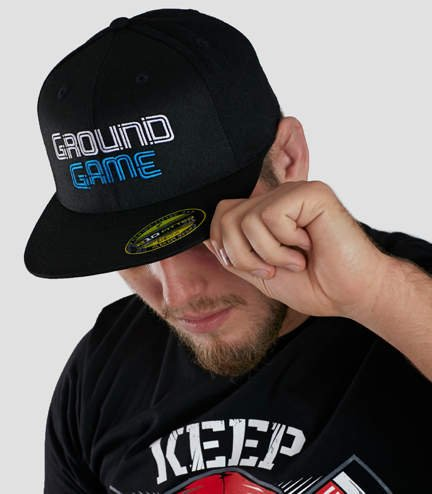 "Cap ""Wire"" with a flat brim"