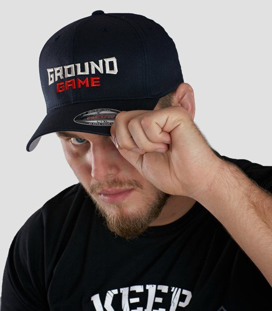 """Cap """"Shield"""" with a rounded brim"""